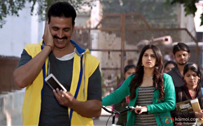 Toilet: Ek Prem Katha's Melodious & Upbeat Song Hans Mat Pagli Is Here