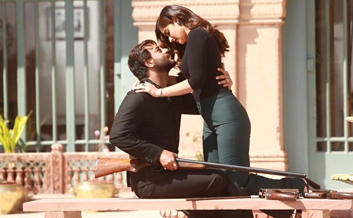 Ajay Devgn & Ileana D'Cruz Get Close In Baadshaho's Upcoming Song 'Mere Rashke Qamar'