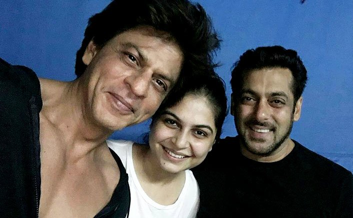 SRK and Salman Poses On The Sets Of Aanand L. Rai's Film