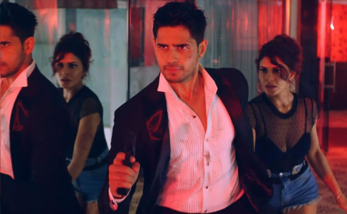 Get ready to witness the sexiest action song 'Bandook Meri Laila' from 'A Gentleman: Sundar, Susheel, Risky'