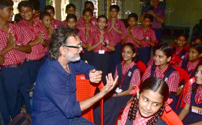 Rakeysh Omprakash Mehra celebrates Gandhi Jayanti building toilets for kids!