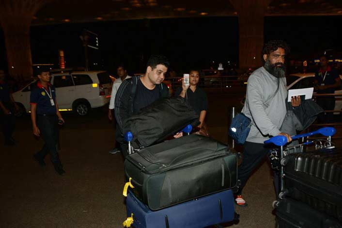 Is Wedding Surely On The Cards? Anushka Sharma And Her Family Fly To Italy With A Pandit