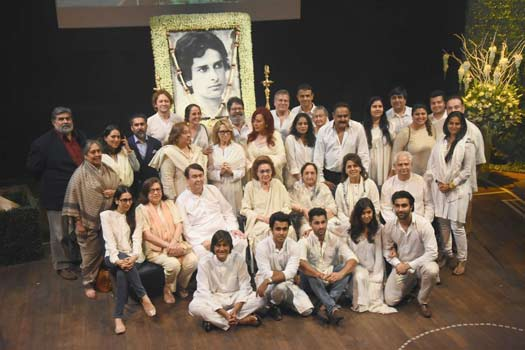 Prayer meet held for Shashi Kapoor