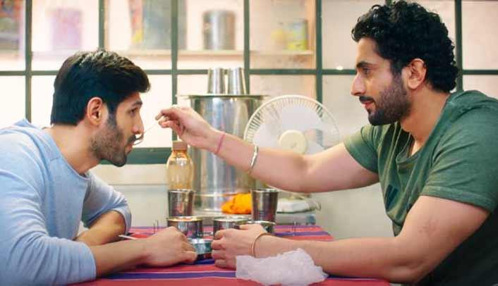 Sonu (Kartik Aaryan) & Titu's (Sunny Singh)