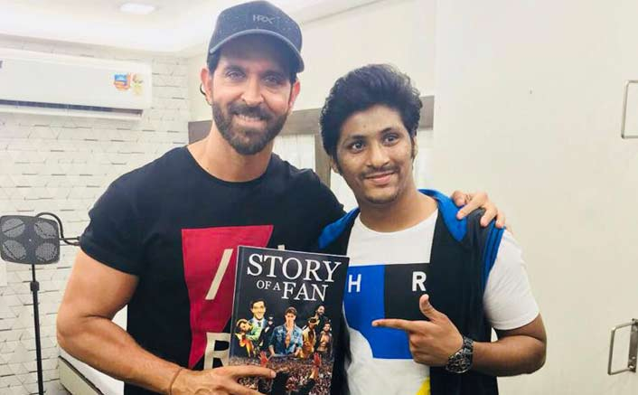 An ardent fan gifts Hrithik Roshan a printed memoir