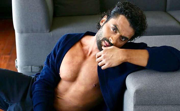 Jackky Bhagnani starts shooting for 'Anandwaa'
