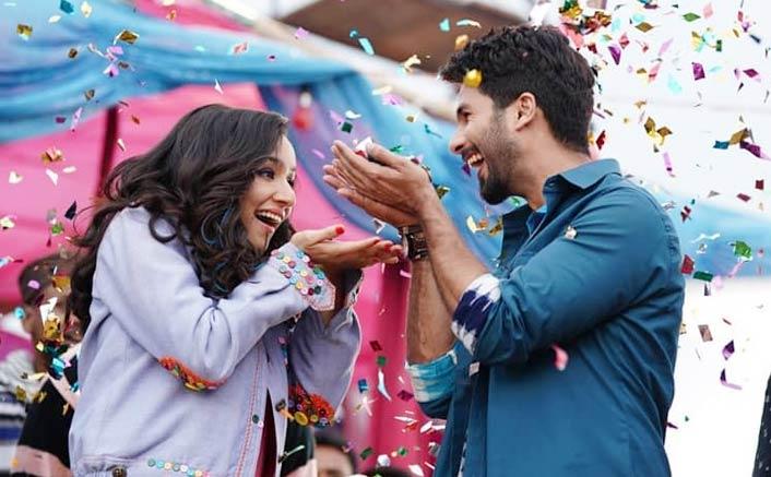 Batti Gul Meter Chalu Movie Review Quicker: Shahid Kapoor - Powerhouse, Shraddha Kapoor & Divyendu Sharma Shine Too!