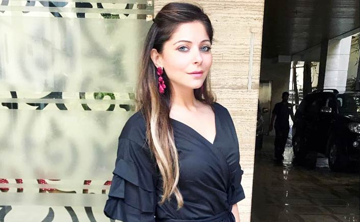 Glad to see non-film music reaching mass audience: Kanika Kapoor