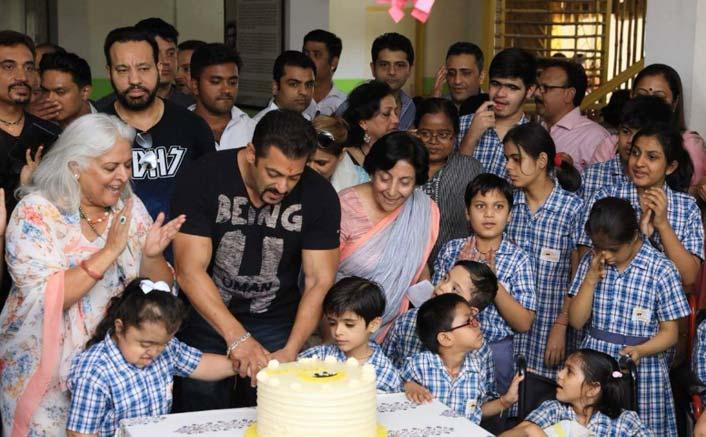 Salman Khan inaugurates Umang centre in Jaipur