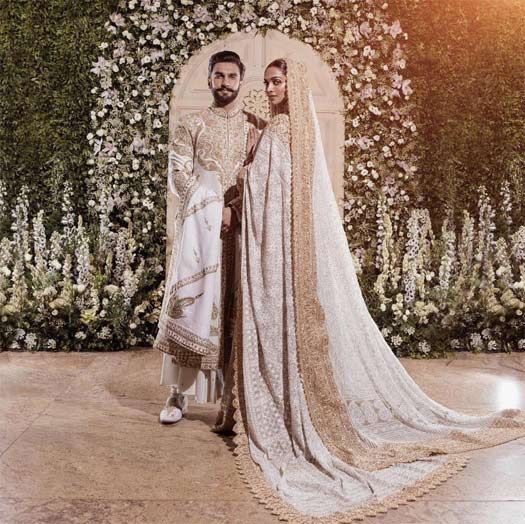 Deepika and Ranveer laugh and have fun at their Mumbai reception