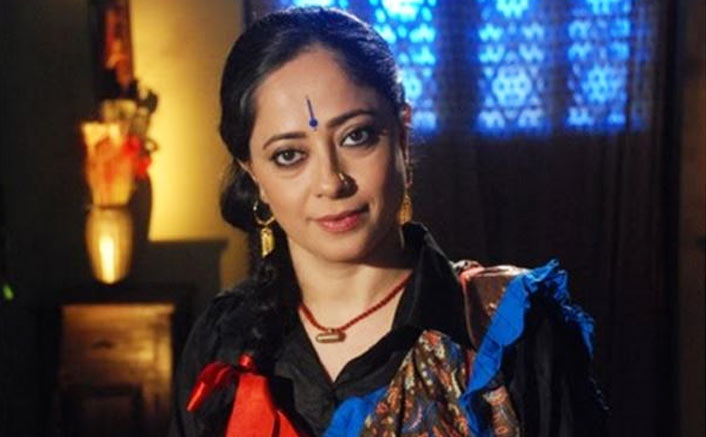 Sheeba Chadha as Hamida