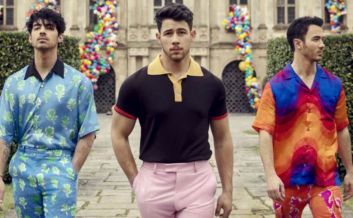 Jonas Brothers tease fans with new music again