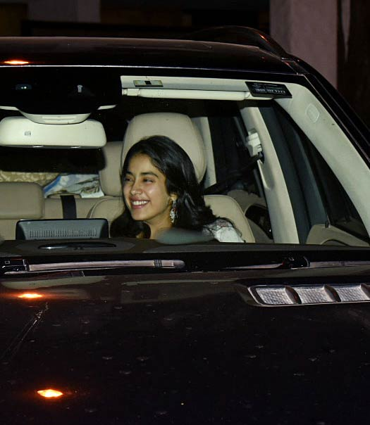 Janhvi Kapoor To Bag A Sanjay Leela Bhansali Project? PROOF Inside!