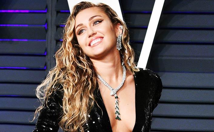 Miley Cyrus groped by fan in Barcelona