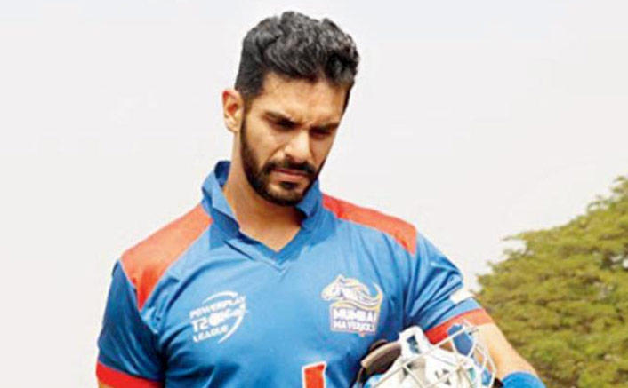 Angad takes cricket training for 'Inside Edge' 2