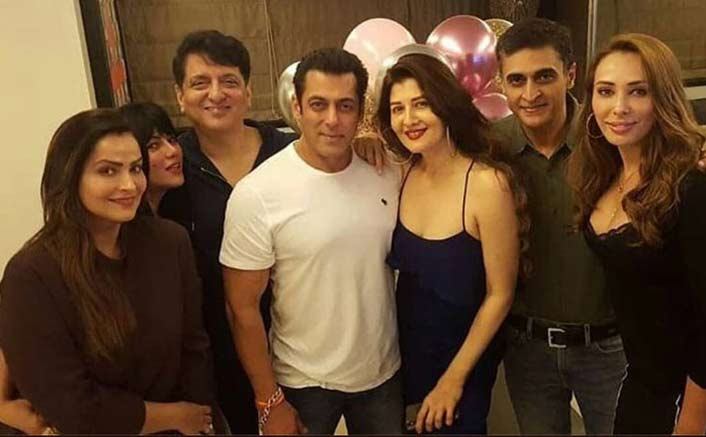 Salman Khan Hosts Birthday Bash For Ex Sangeeta Bijlani & Girlfriend Iulia Vantur Seems To Be Just Fine!