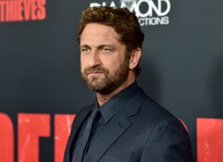 Gerard Butler accidentally flashed guests at a wedding
