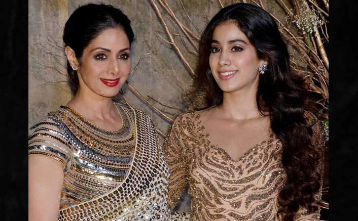"""Janhvi Kapoor Pens About Sridevi Amid Self-Isolation: """"I Can Still Smell My Mother In Her Dressing Room"""""""