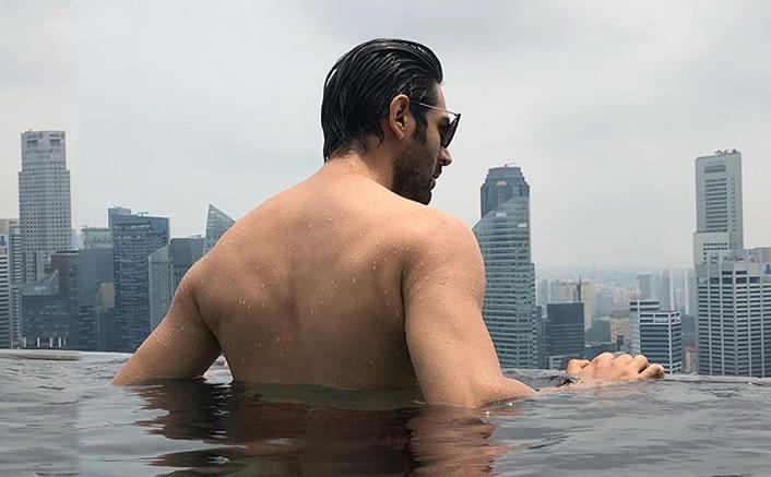 Kartik Aaryan's bare-back pic trends online