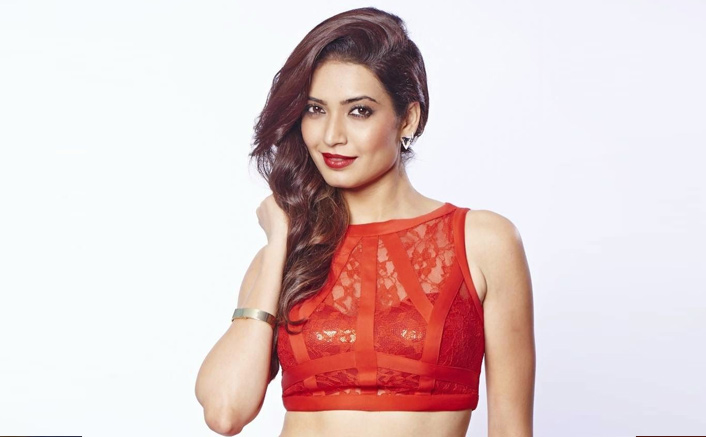Khatron Ke Khiladi 10: Karishma Tanna Looks Red Hot As She Shows Off Her 'Wakhra Swag' - WATCH