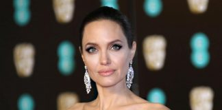 Jolie crashes kids' martial arts class for Marvel film