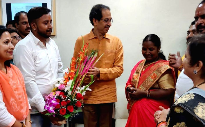 Kaun Banega Crorepati Season 11's Crorepati Babita Tade Felicitated By Shiv Sena Chief