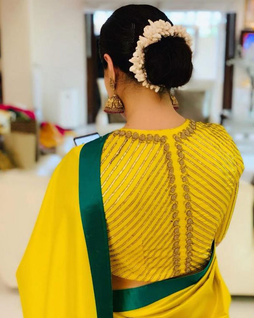 Kajol In This Mesmerising Yellow Saree Just Proved 'Simple Is Classic'
