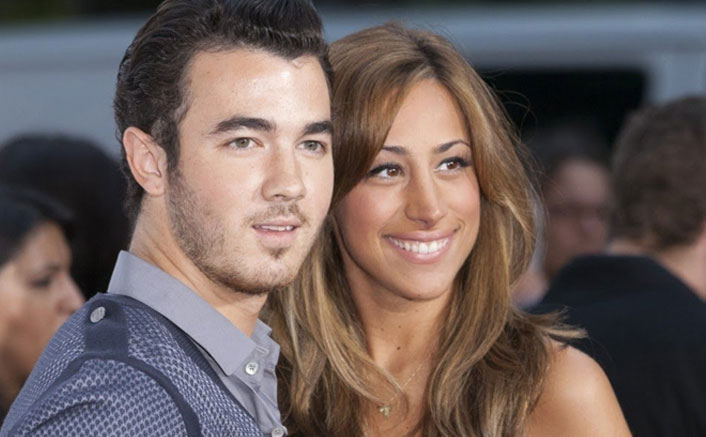 Kevin Jonas debuts 'Sucker' tattoo dedicated to wife