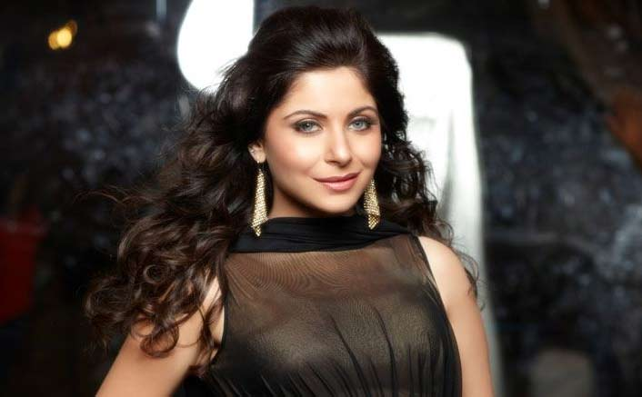 "Kanika Kapoor's SHOCKING Revelation:  ""My Parents-In-Law Stopped Me From Becoming A Singer"""