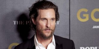 McConaughey helps prepare meals for firefighters in California