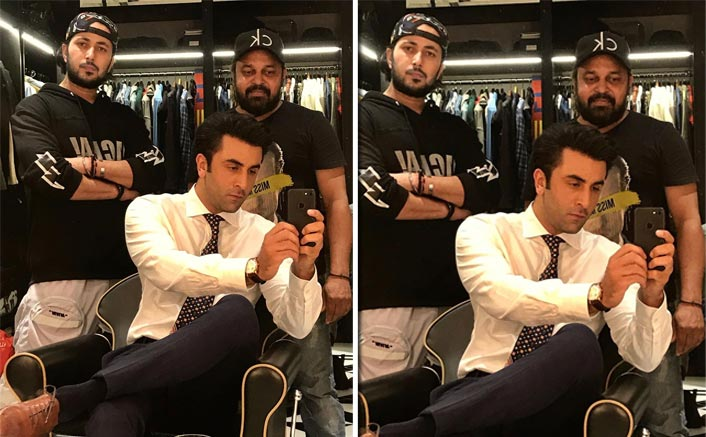 Ranbir Kapoor's Mirror Selfie Makes Us Wish For His Instagram Debut Already
