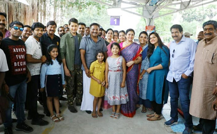 Sarlieru Nekkevvaru: The Team Of Mahesh Babu Starrer Pose For A Group Photo After Wrap Up Of Kerala Schedule