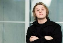 Why Lewis Capaldi wants dating help from friends?
