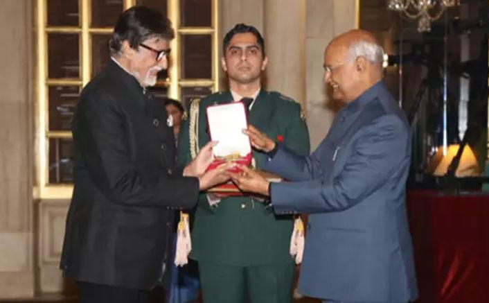 VIDEO: Amitabh Bachchan Gets Honoured With Dadasaheb Phalke Award