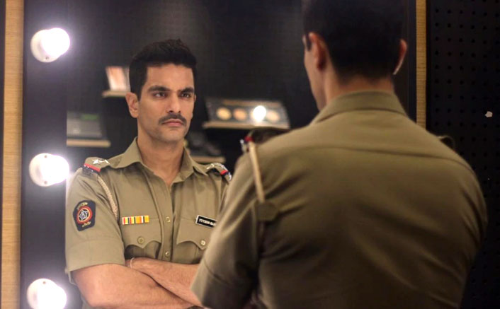 Angad Bedi: Trying to bring back alpha male with 'MumBhai'