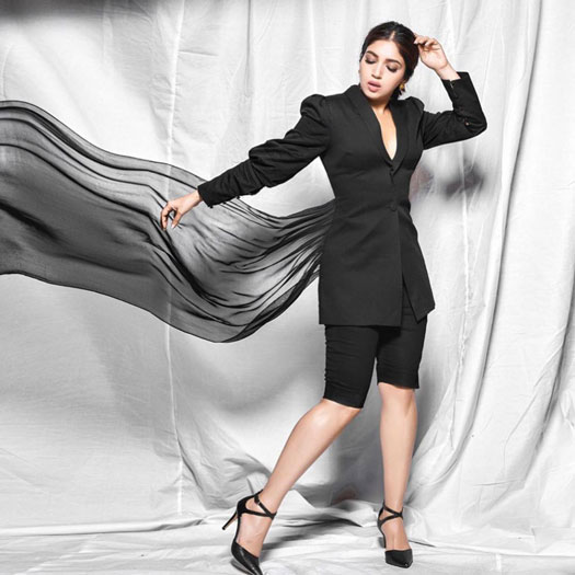 Bhumi Pednekar Raises Temperatures In Super Sexy Glam Avatar For Pati Patni Aur Woh Promotions!