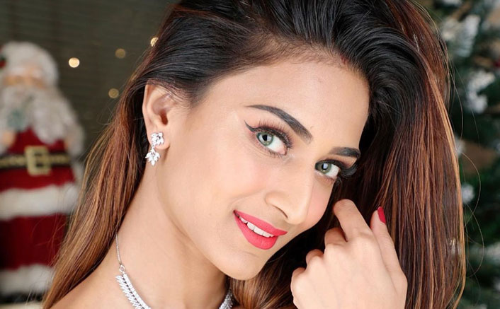 Erica Fernandes Reveals Secret To Her Luminous Skin, Check Out