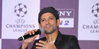 Farhan Akhtar hits out at troll over Citizenship Act