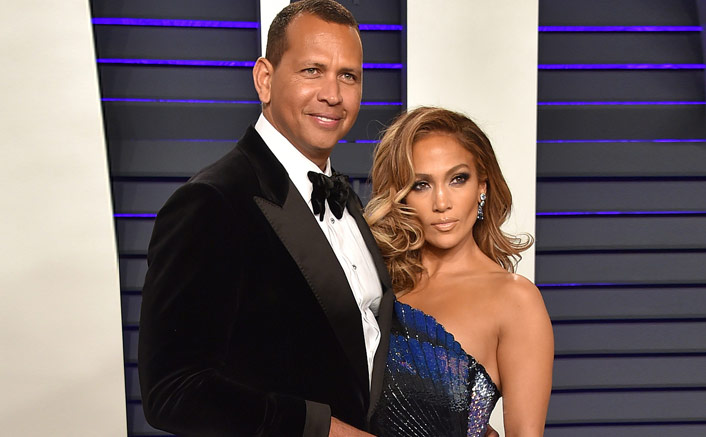 Jennifer Lopez Paints Big Apple Red With Fiancé Alex Rodriguez