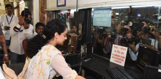 Kangana turns rail ticketseller at Mumbai station to promote film