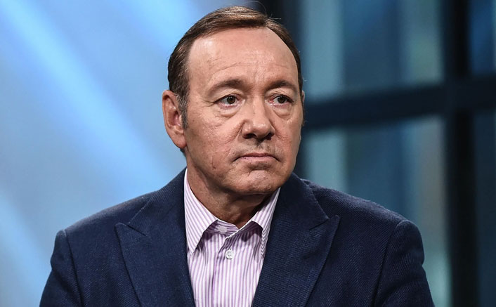 Kevin Spacey relives 'House Of Cards' avatar in Xmas video