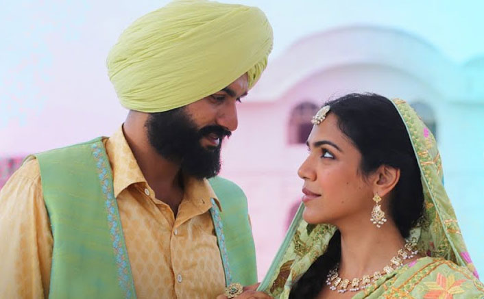 """Let's get mesmerized on the tunes of endless love with the song """"Raanjhan"""" from the much awaited 'Bhangra Paa Le'!"""