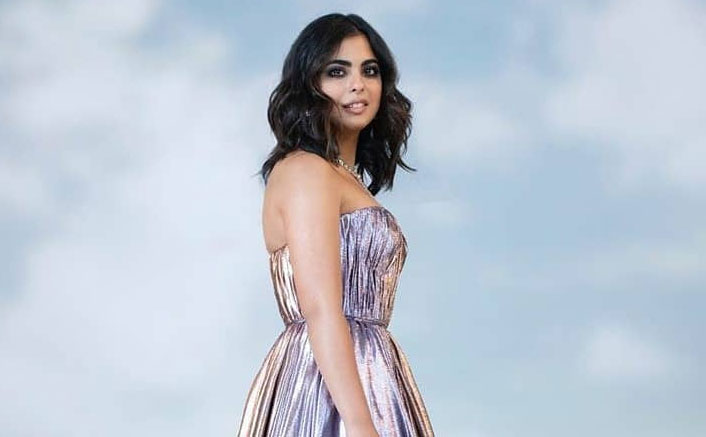 Looking For A New Years Dress? Isha Ambani's Ombre Off Shoulder Gown Fits The Bill!