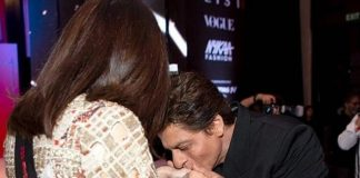 Shah Rukh Khan Spotted Kissing A Woman & No, It's Not Gauri Khan!