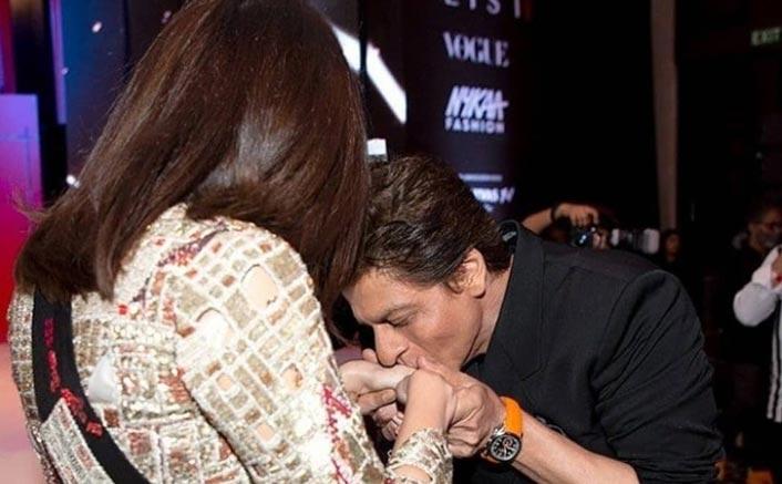 Shah Rukh Khan Spotted Kissing A Woman & No, It's Not Gauri Khan!