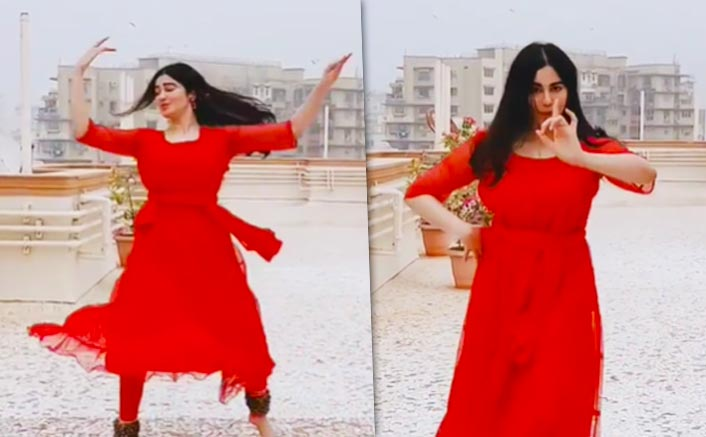 VIDEO: Adah Sharma Deserves A Special Gift From Santa For Doing Kathak On Jingle Bells!