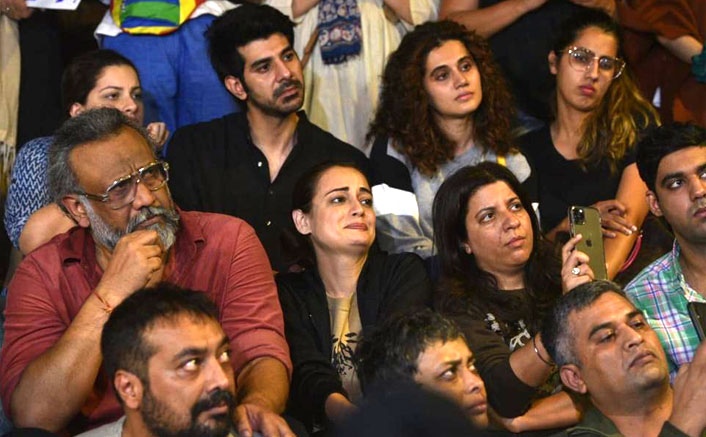 Bollywood condemns JNU attack with peaceful protest