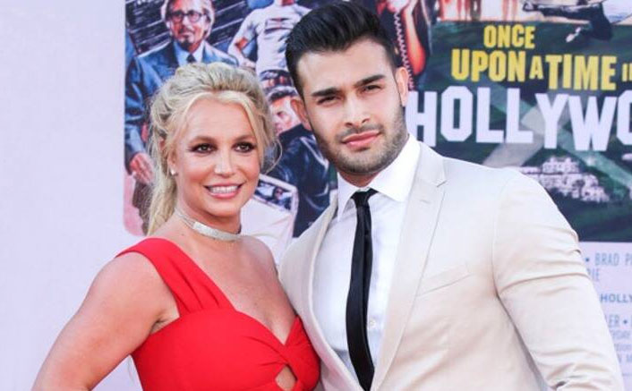 Britney Spears' Boyfriend Sam Asghari Feels He Can't Do A LOT Of Her Yoga Moves