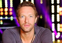 Chris Martin snaps at aggressive autograph hunters