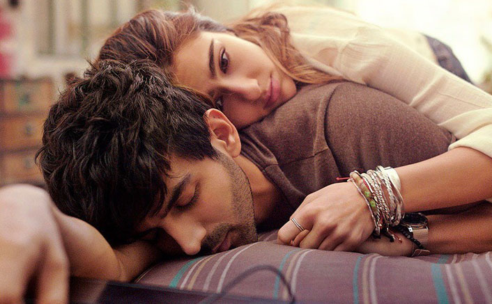 Love Aaj Kal Poster OUT! Kartik Aaryan & Sara Ali Khan Look Like A Mysterious Dream In This Imtiaz Ali Directorial